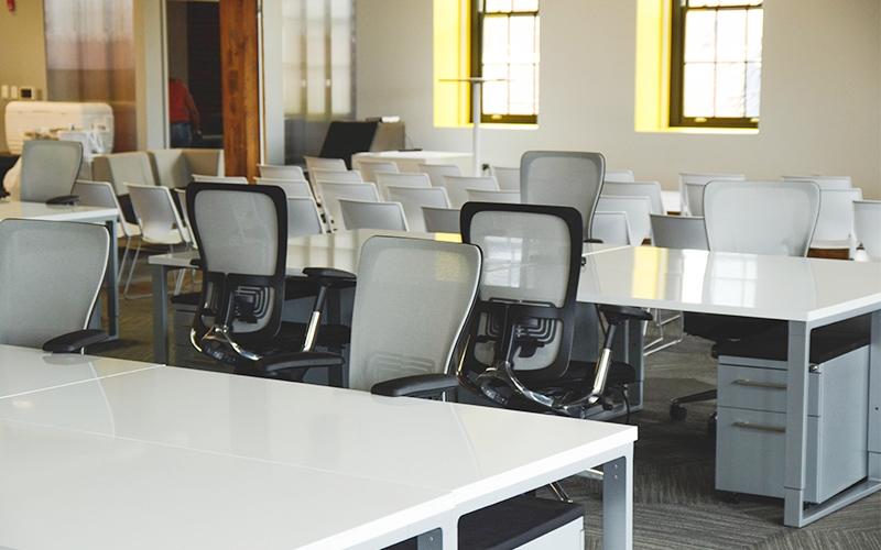 为什么很多老板们在公司注册时成立三家公司